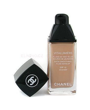 Chanel Vitalumiere Fluid Makeup